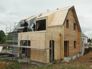Maison à Saint-Anne-d'Auray: Maisons de style de style Minimaliste par Atelier Y Architectes