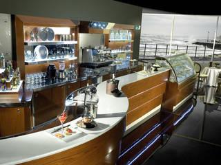 Stramenga: Products: Bar & Club in stile  di Arredamenti Stramenga
