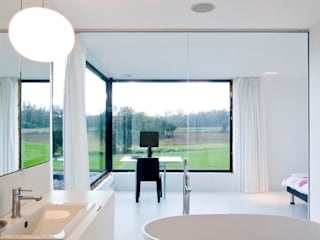 Modern style bathrooms by hasa architecten bvba Modern