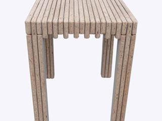 Boris  ( Krukje / Tafeltje ):   door atelier delfts hout