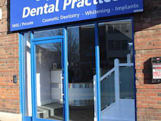 Leighton House Dental Practice:  Clinics by Roberts 21st Century Design