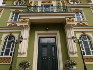 Загородный особняк 800м2 Дома в классическом стиле от Наталья Дубовая Charman-design Классический