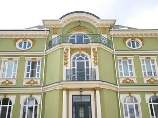 Загородный особняк 800м2: Дома в . Автор – Наталья Дубовая Charman-design