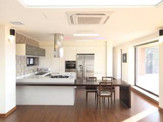 Nowoczesna kuchnia od 주택설계전문 디자인그룹 홈스타일토토 Nowoczesny