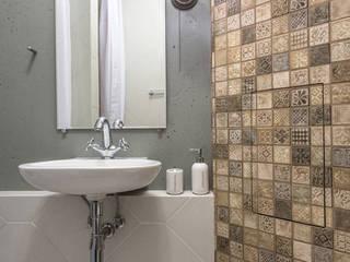 Scandinavian style bathroom by SAZONOVA group Scandinavian