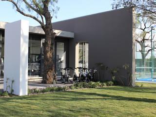 Modern gym by VG+VM Arquitectos Modern