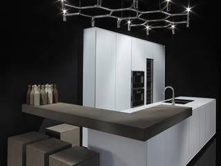 Cocinas de estilo moderno de Ri.fra mobili s.r.l. Moderno