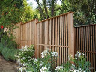 Moderne tuinen van Braun & Würfele - Holz im Garten Modern