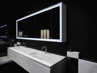 Baños de estilo moderno de Ri.fra mobili s.r.l. Moderno