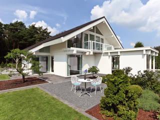 Realer Wohntraum am Niederrhein Moderne Häuser von DAVINCI HAUS GmbH & Co. KG Modern