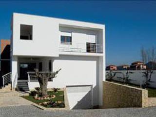 hause2 provincia di Caserta Case moderne di studiozero Moderno
