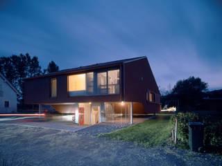 CASA D Moderne Häuser von INNOCAD Architecture Modern