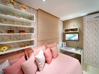 Evviva Bertolini Rustic style bedroom