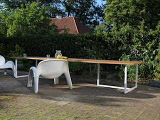 Eettafel model T3456: modern Balkon, veranda & terras door GHYCZY