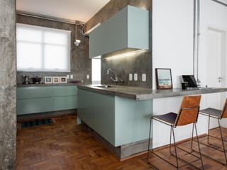 Kitchen by PM Arquitetura,