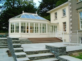 Hardwood Conservatory: classic Conservatory by Hampton Windows