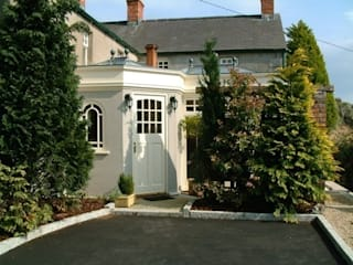 Hardwood Conservatory Classic style conservatory by Hampton Windows Classic