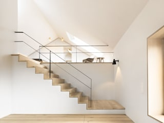 Modern Corridor, Hallway and Staircase by Spandri Wiedemann Architekten Modern