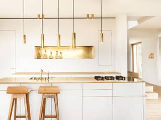 Cocinas de estilo moderno de Spandri Wiedemann Architekten Moderno Cobre/Bronce/Latón