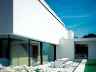 Villa P:  Terrasse von Philipp Architekten - Anna Philipp