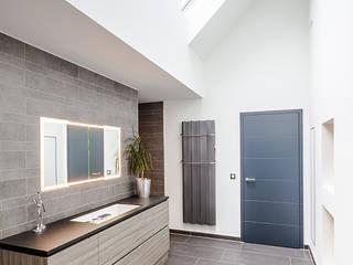 Baños de estilo  por ONE!CONTACT - Planungsbüro GmbH