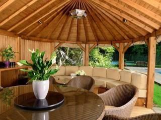 Crown Hampton Pavilion Jardines de estilo mediterráneo de Crown Pavilions Mediterráneo