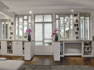 Loft 10ème: Salon de style  par STUDIO SANDRA HELLMANN