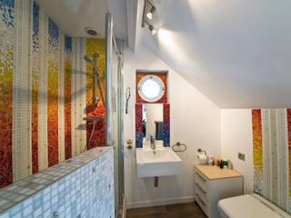 Décor de salle de bain:  de style  par Art Mosaico