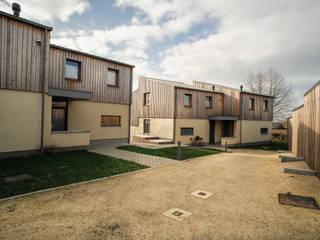 Habitat groupé basse-énergie Maisons modernes par helium3 positive architecture Moderne