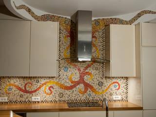 Crédence et mur supérieur:  de style  par Art Mosaico