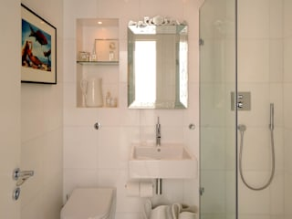 Bathroom : modern Bathroom by TG Studio