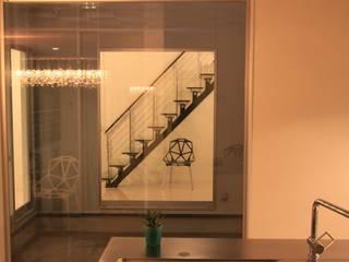 キッチンからの眺め モダンな キッチン の 株式会社 In Design モダン