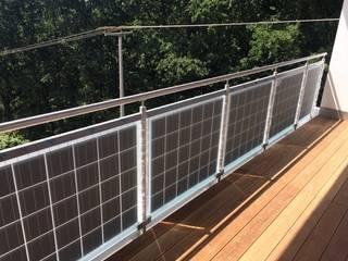 Balcone, Veranda & Terrazza in stile moderno di asola Technologies GmbH Moderno