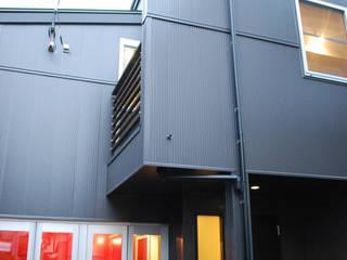 下北沢の家: 奥村召司+空間設計社が手掛けた家です。,