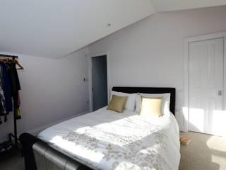 Kamar Tidur oleh London Building Renovation, Modern