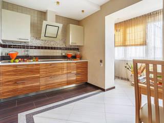 Уютная квартира в теплых тонах Ольга Макарова (Экодизайн) Кухня в классическом стиле
