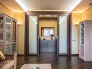 Уютная квартира в теплых тонах Ольга Макарова (Экодизайн) ГостинаяОсвещение