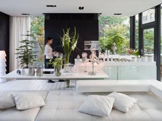 Livings de estilo moderno de Raumfreiheit Moderno