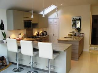STONE OAK Classic style kitchen by Schmidt Wimbledon Classic
