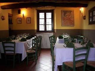 Appartamento in VENDITA a Serravalle Pistoiese: Sala da pranzo in stile  di Immobiliare MG