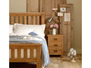 Bedroom:  Bedroom by The Cotswold Company, Country