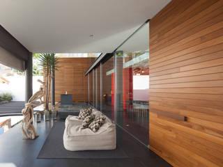Oleh Echauri Morales Arquitectos Minimalis