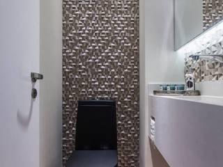 Modern bathroom by Barbara Dundes   ARQ + DESIGN Modern