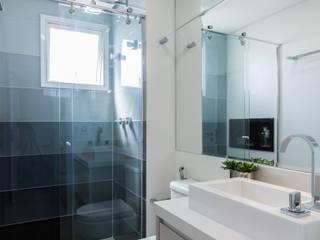 Barbara Dundes | ARQ + DESIGN Salle de bain moderne
