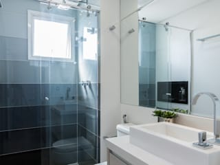 Barbara Dundes | ARQ + DESIGN Modern Bathroom