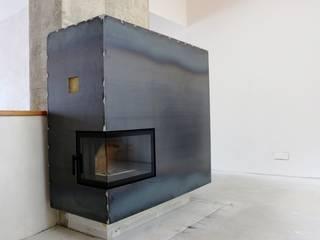 Wohnzimmer Kamin, vor Einsatz des COR oxid® Schnellrosters Rustikale Wohnzimmer von Braun - Indstrievertretung Rustikal