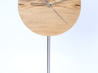 "Clock with brushed and oiled oak ""IO"" Meble Autorskie Jurkowski SalonesAccesorios y decoración"