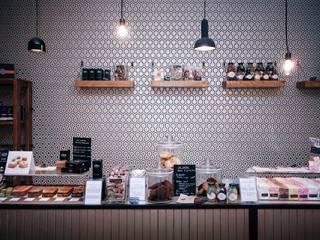 décoration d'un Concept Store Gastronomie moderne par Inside Home Concept Moderne