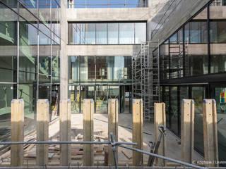 Gros oeuvre - Le patio: Lieux d'événements de style  par Laraqui Bringer