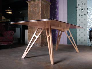 Stół RAM od ROARHIDE Industrial designs Minimalistyczny